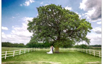 Hertfordshire Milling Barn Wedding | Lyndsay & Neil | Sneak Peek